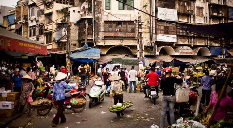 Dong Xuan market - Hanoi