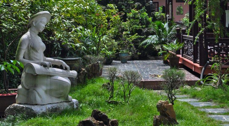 Tinh Gia Vien Garden - Hue